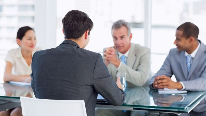 5 Phrases That Make You Sound Unqualified In Job Interviews